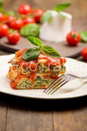plat-buffet-chaud-lasagnes-legumes-pesto-eco-traiteur