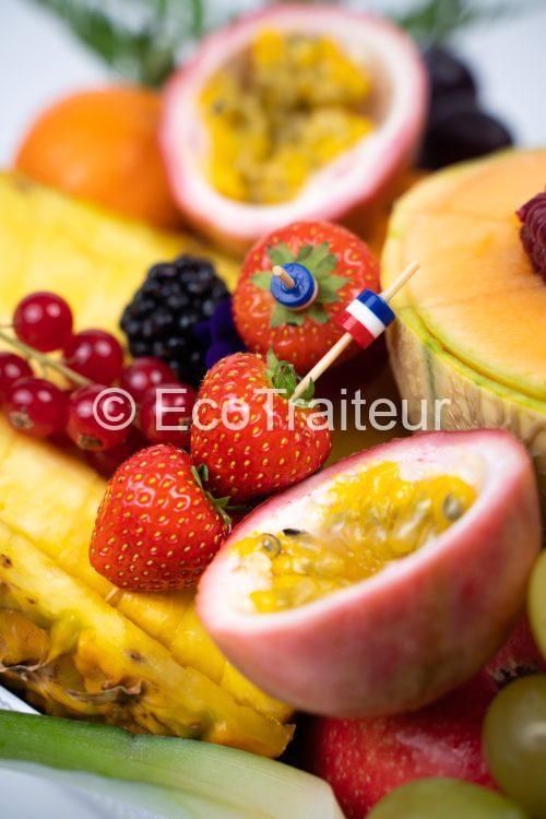 plateau de fruit ecotraiteur paris traiteur parisien primeur vip plateau fruits tranchés