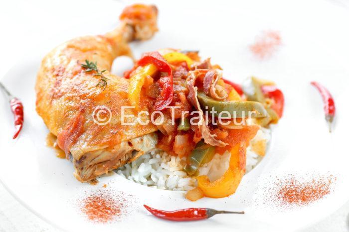 assiette de poulet basquaise ecotraiteur paris buffet chaud traiteur